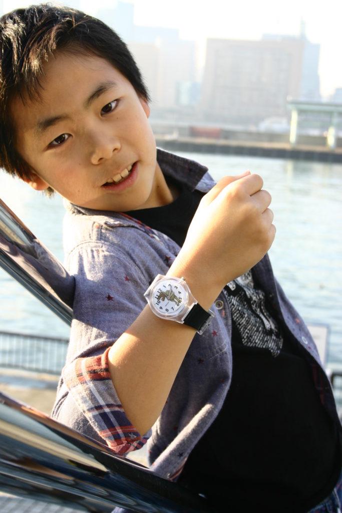 コタモと恐竜腕時計