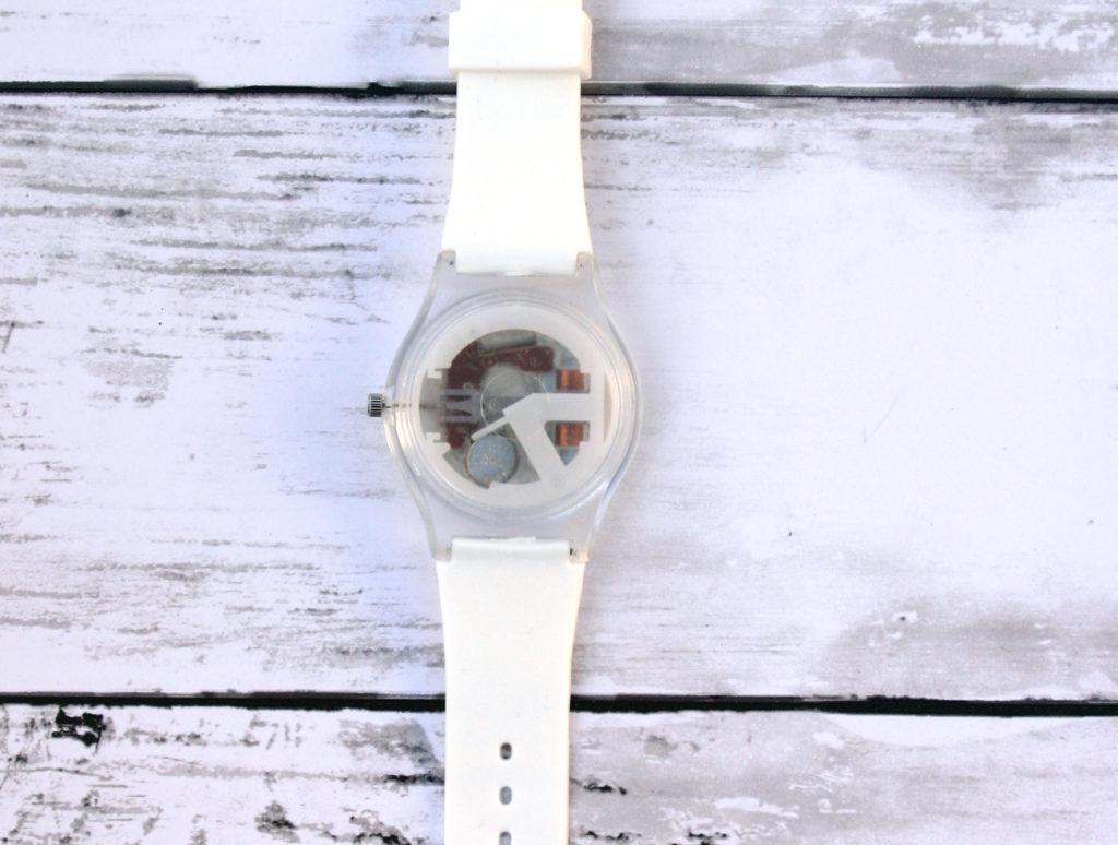 恐竜腕時計 裏